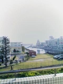 110401_新入社員研修会場.jpg